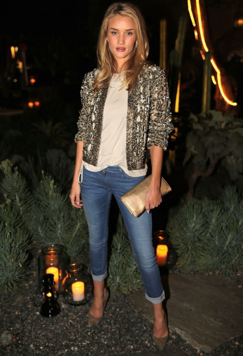 Rosie Huntington com look inteiro Isabel Marant